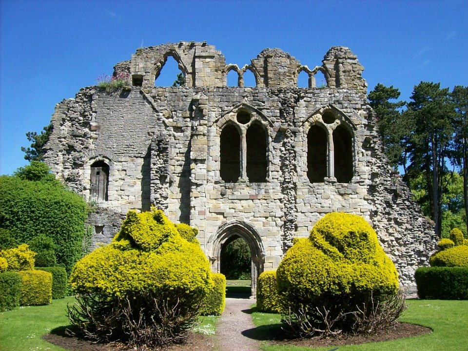 wenlock-priory-165367_960_720
