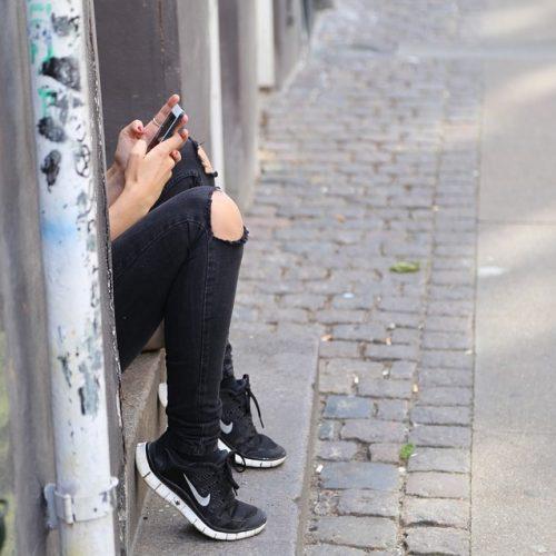 Irish Tweens – They Need a Phone… LIKE NOW MUM