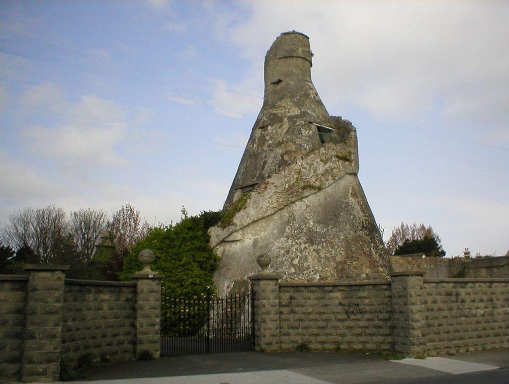 1280px-Bottle_Tower_Rathfarnham