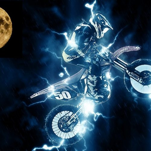 There are More Fatal Motorcycle Crashes on a Full Moon, and it's Even Worse on a Supermoon