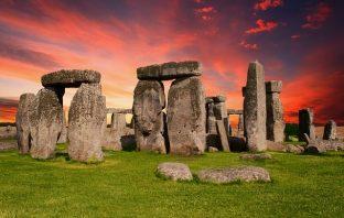stonehenge megalithic monument